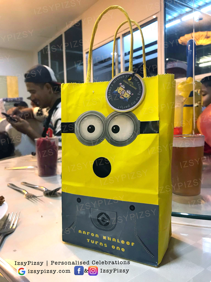 minion DIY party goodie bags favor ideas goggle eyes sticker kids birthday
